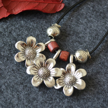 Daisy Wood Beaded Long Necklace