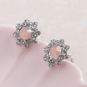 Simple Style Gemstone Micro Paved Flower Stud Earrings Classic Snowflake Piercing Earrings for Women