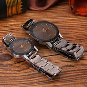 Fashion Couple Quartz Wristwatch No Number Round Dial Stainless Steel Strap Watches for Women Men