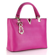 Fashion Women Butterfly Pearl V Leather Handbag