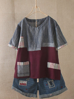 T-shirt over a manica corta con tasca patch vintage