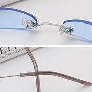 Óculos de sol quadrados pequenos do metal do PC do quadro das mulheres Óculos de sol selvagens da batida da rua da moda requintados