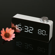 Espejo digital LED Reloj despertador 12H / 24H Pantalla ajustable luminancia función Snooze