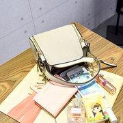 Sac à bandoulière carré élégant en cuir PU Sac à bandoulière à poches multiples pour femmes