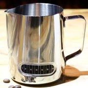 600ML الفولاذ المقاوم للصدأ القهوة حليب مزبد مع المدمج في ميزان الحرارة