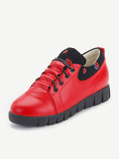 Lipstick Printing Lace Up Flat Athletic Casual Shoes