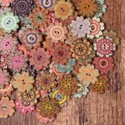 Bottone di legno a forma di fiore