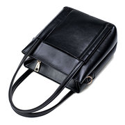 Women Retro Oil Wax Leather Handbag Shoulder Bag