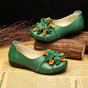 SOCOFY Retro Handmade Flower Soft Flat Casual Leather Loafers