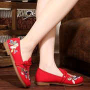 Floral Pattern Embroided Vintage Flat Boat Shoes For Women
