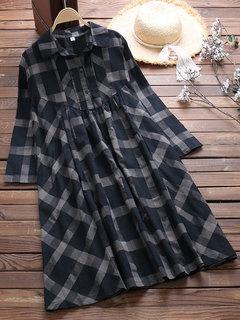 Vestido suelto de manga larga con estampado irregular a cuadros de época