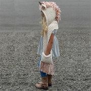 O animal bonito deu forma a Scarves feitos malha das meninas com bolsos Design para 3Y-8Y