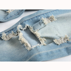 Vintage Fashion Light Blue Worn Hole Stampato Stone Washed Denim Ripped Jeans per uomo