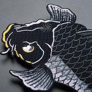 2 PC / 1 par Koi DIY Applique bordado del remiendo de la ropa del hierro en coser en la tela del remiendo