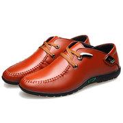 الرجال ستوكات الجلود عدم الانزلاق زخرفة المعادن عارضة أحذية القيادة