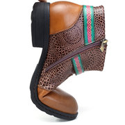 SOCOFY New Printing Retro Pattern Buckle Flat Ankle Leather Boots