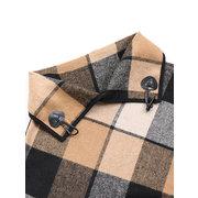 Escudo de cuello alto irregular de tela escocesa irregular de capa informal