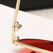 Damenlegierung Gebogenes Bein Hochauflösende Ansicht Sonnenbrillen Outdoor Freizeit Mode UV-400 Brillen