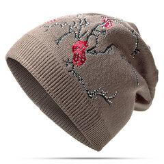 Damen Wollmischung Pflaume Blumenstickerei Strass Warme Strickmützen Lässige Elastische Mütze