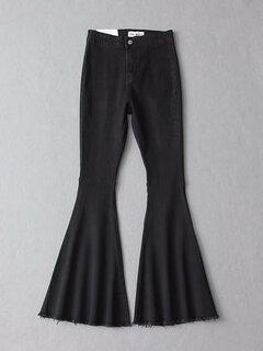 Stretchy ausgestellte Denim-Hose im Vintage-Look