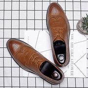 Große Männer Brogue schnüren sich oben beiläufige Oxfords-Geschäfts-formale Schuhe